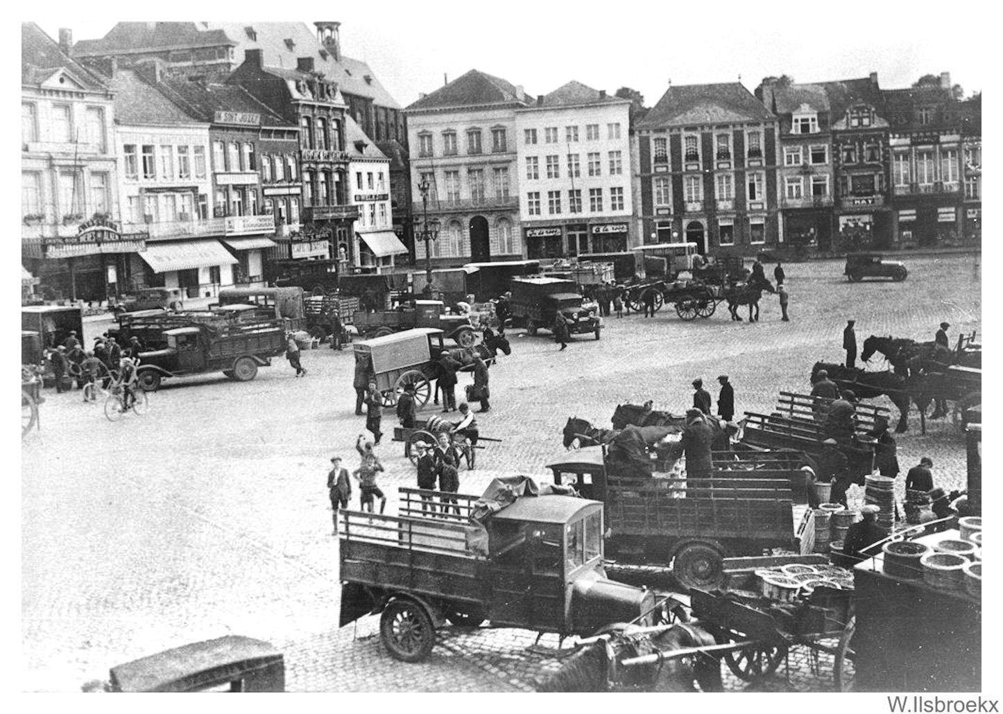 P:\Fotocollectie Ilsbroekx\Verzameling W.Ilsbroekx\Grote Markt\Grote Markt 20.jpg